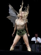 "Kimberly Wyatt at ""T in the Park"", Scotland, 9 July, x2"