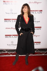 Джина Гершон, фото 362. Gina Gershon 'The Iron Lady' New York premiere at the Ziegfeld Theater on December 13, 2011 in New York City, foto 362