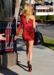 Тара Рейд, фото 2365. Tara Reid West Hollywood - 16/12/11, foto 2365