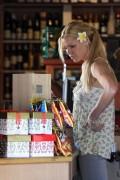 Sophie Monk braless shoping in Sydney, 31 December 2011, x21
