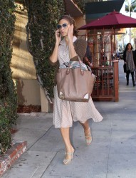 Ева Мендес, фото 4721. Eva Mendes spotted leaving a Medical Building in Beverly Hills, january 18, foto 4721