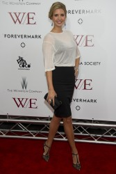 Иванка Трамп, фото 698. Ivanka Trump The Weinstein Company with The Cinema Society & Forevermark Premiere of 'W.E.' in New York - 23.01.2012, foto 698