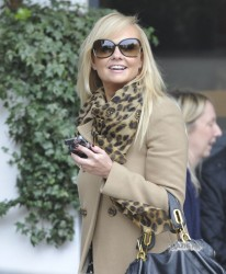 Эмма Бантон, фото 2272. Jan. 23th - London - Emma Bunton Leaving ITV Studios, foto 2272