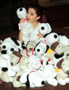 Ариана Гранде, фото 410. Ariana Grande Valentine Twitter party in Los Angeles - February 8, 2012, foto 410