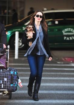 Эмми Россам, фото 3329. Emmy Rossum Looks Great with Her Dog LAX 2/17/12, foto 3329