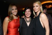 Шарлиз Терон, фото 6136. Charlize Theron - V-Day Cocktails and Conversation with Eve Ensler, february 21, foto 6136