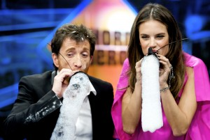 Алессандра Амброзио, фото 8202. Alessandra Ambrosio On 'El Hormiguero' TV Show in Madrid, 05.03.2012, foto 8202