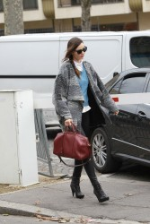 Миранда Керр, фото 3762. Miranda Kerr - arriving at the Miu Miu runway show, Paris - March 7, foto 3762