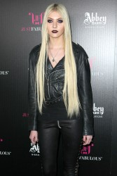 98290c179709762 Taylor Momsen   Launch Party for Abbey Dawn By Avril Lavigne (March 13) x39