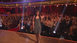 "Kelly Clarkson performing on ""Dancing With The Stars"" 5/22/12 *138 HQ Screencaps**"