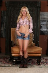 Lexi Belle In Cut Off's Country Girl New July 2, 2012 HQ x 94