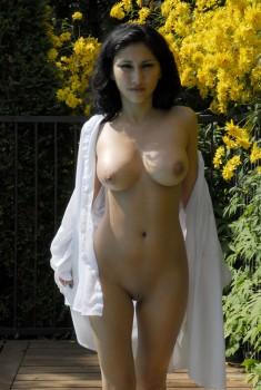 busty nude middel estern girls